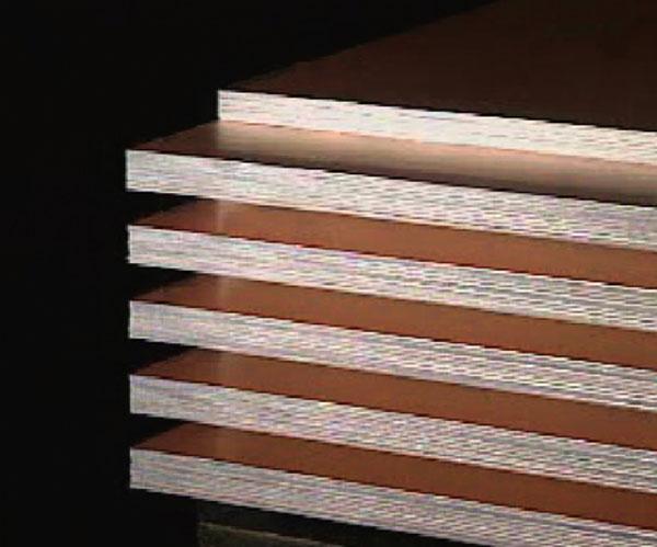 基板中最常使用者,系由环氧树脂(epoxy)