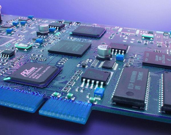 。  近几十年以来,我们中国的印制电路板行业从无到有,从小到大,得到了飞速的发展。由于电子产品日新月异,价格战改变了供应链的结构,中国兼具产业分布、成本和市场优势,已经成为全球最重要的印制电路板生产基地。我国印制电路板行业产值从2006年起保持了产量、产值世界第一的地位,并且成为推动全球pcb行业发展的主要增长动力。2010年我国pcb产值达到185亿美元,占全球pcb行业总产值的36.